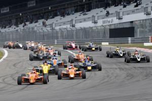Das Rennen auf dem Nürburgring bot spannende Zweikämpfe. Foto: ts-photo / Thomas Suer