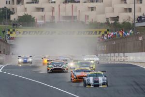 Start zum Dunlop 24H DUBAI 2013. Foto: Klaas Norg