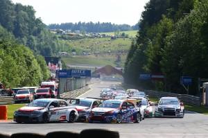 Die WTCC startet 2015 am Nürburgring Foto: Horn