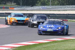 Corvette hielt in Lauf 1 lange Zeit BMW in Schach. (Foto: Lange)