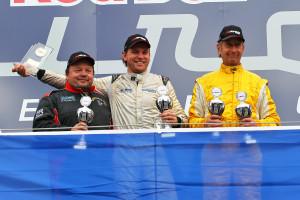 Fabian Plentz (Mitte) steht als Sieger der SCC fest. Foto: Holzer
