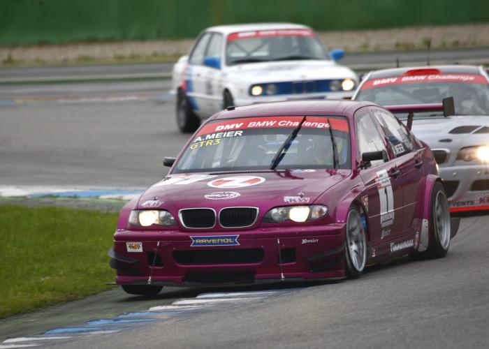 Pressemeldung der DMV BMW Challenge zum Saisonauftakt in Hockenheim