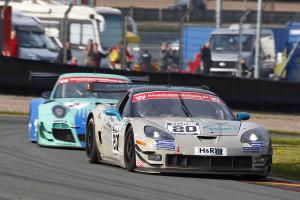Jürgen Bender (Corvette GT3) siegte vor Uli Becker (Porsche 997 GT3 R) im ersten Rennen Foto: Holzer
